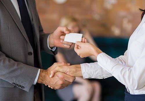 Колко назад във времето може регулаторът да протегне ръката на актовете си